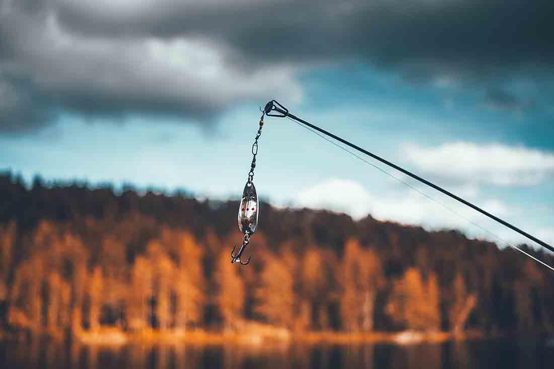 Pêche sur la Lac de Chambly dans le Jura
